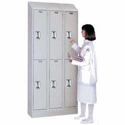 Lyon Healthcare Lockers feature Antimicrobial coating, recessed handles, smooth fronts and sloping tops. Because of their Antimicrobial properties, Lyon Healthcare Lockers are also recommended for food service applications and educational facilities of all types.